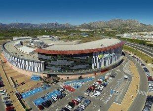 Car Outlet site open at the Centro Commercial Portal de la Marina Ondara