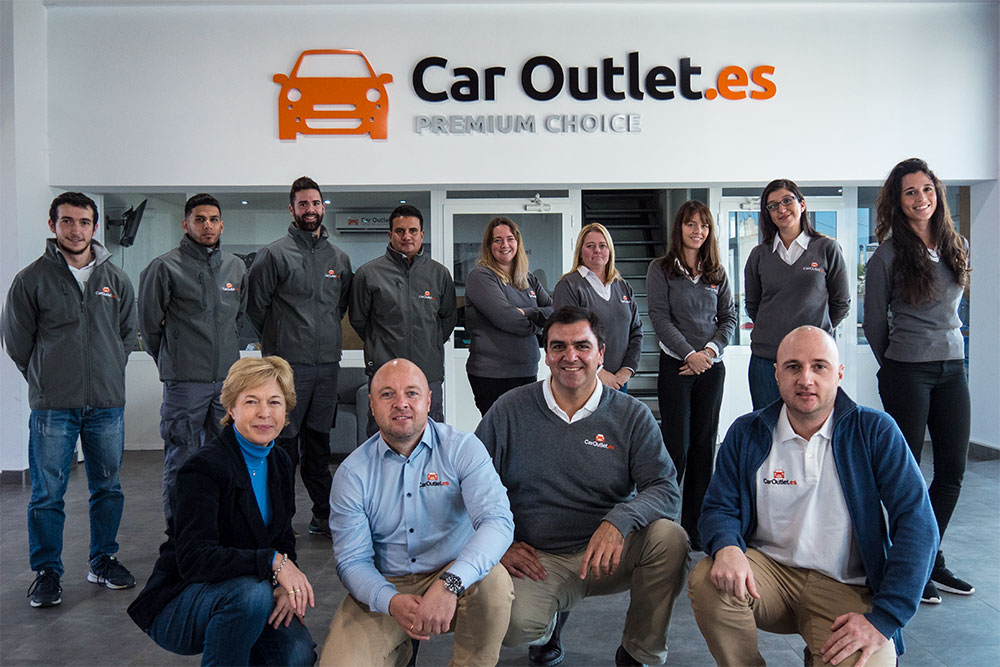 Car Outlet team members
