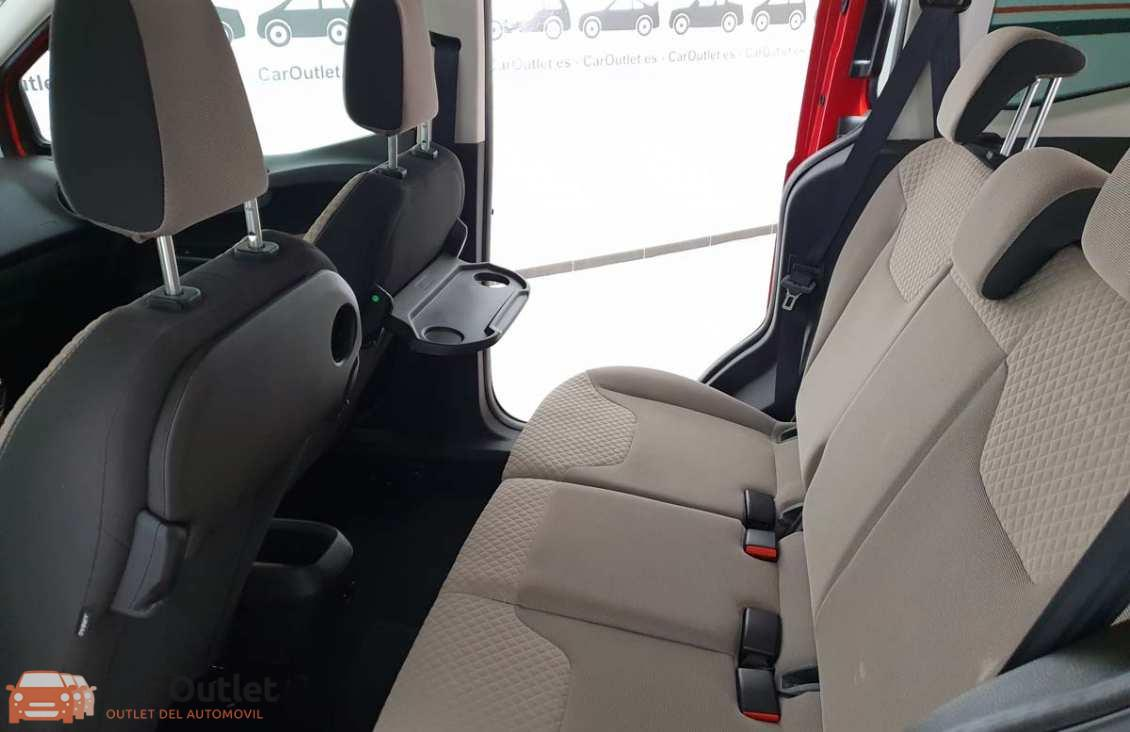 4 - Ford Tourneo Courier 2015