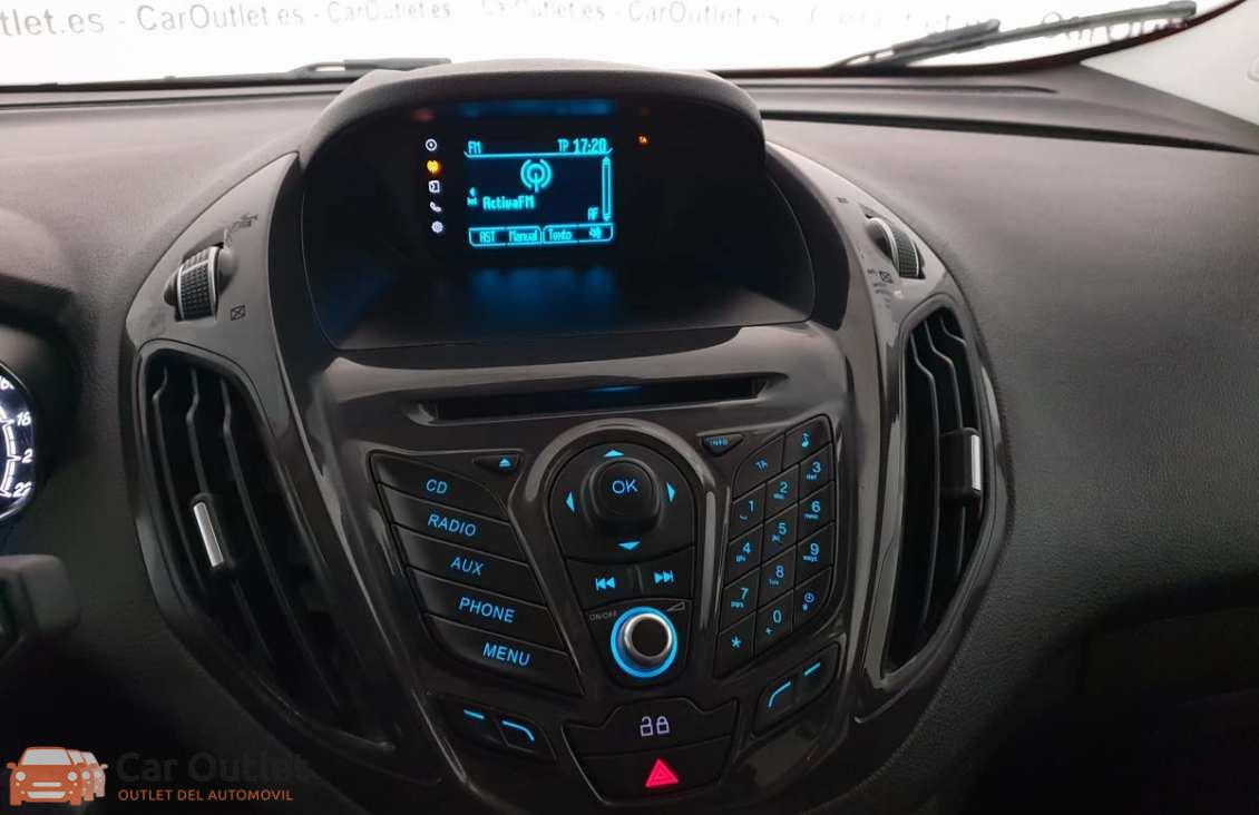 8 - Ford Tourneo Courier 2015