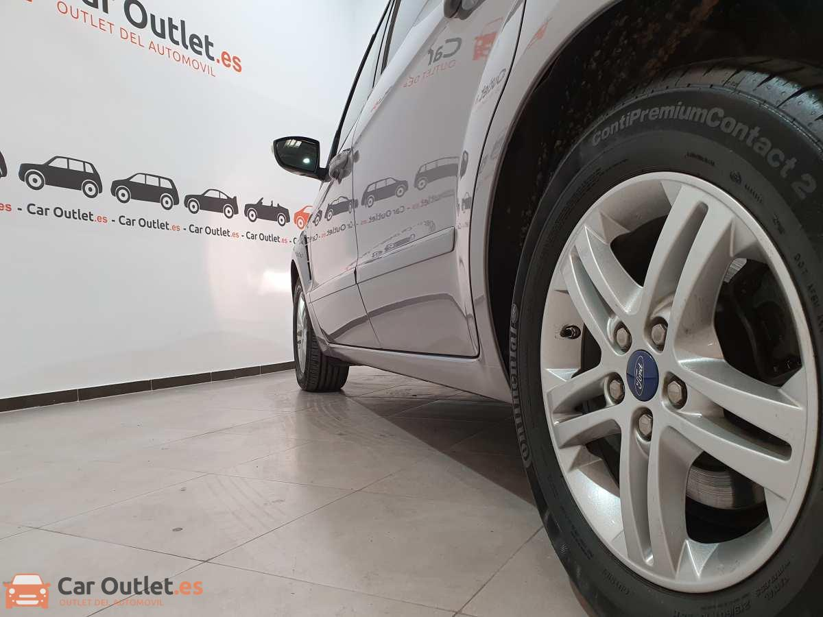 7 - Ford S-Max 2015