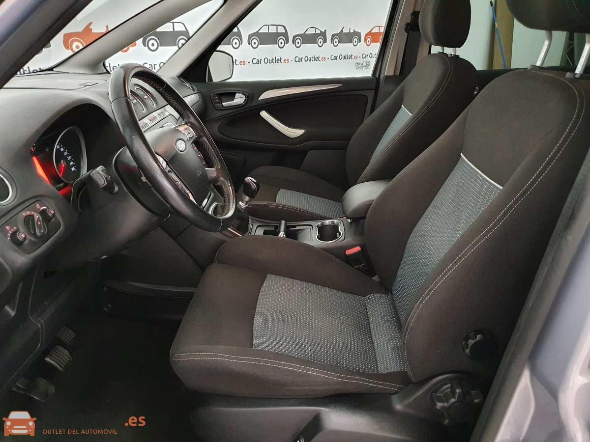 12 - Ford S-Max 2015