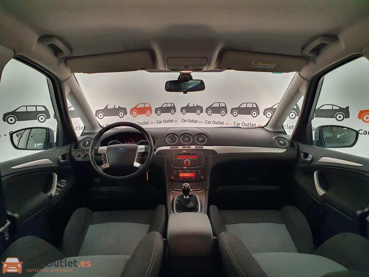 13 - Ford S-Max 2015