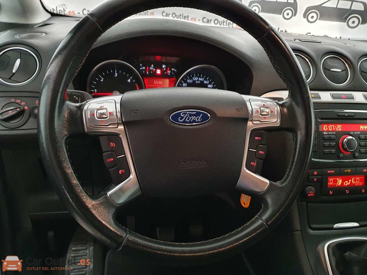 18 - Ford S-Max 2015