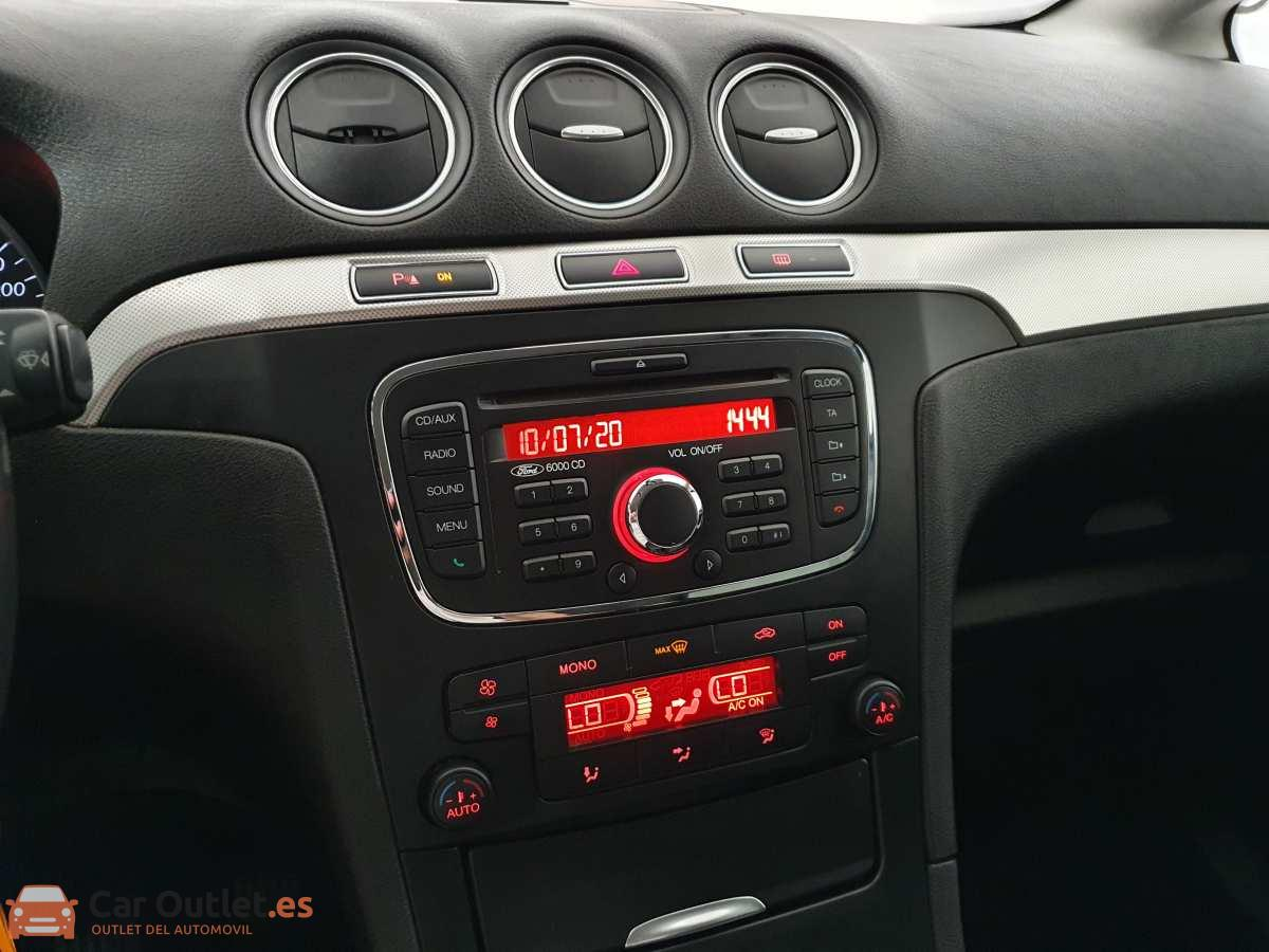 19 - Ford S-Max 2015