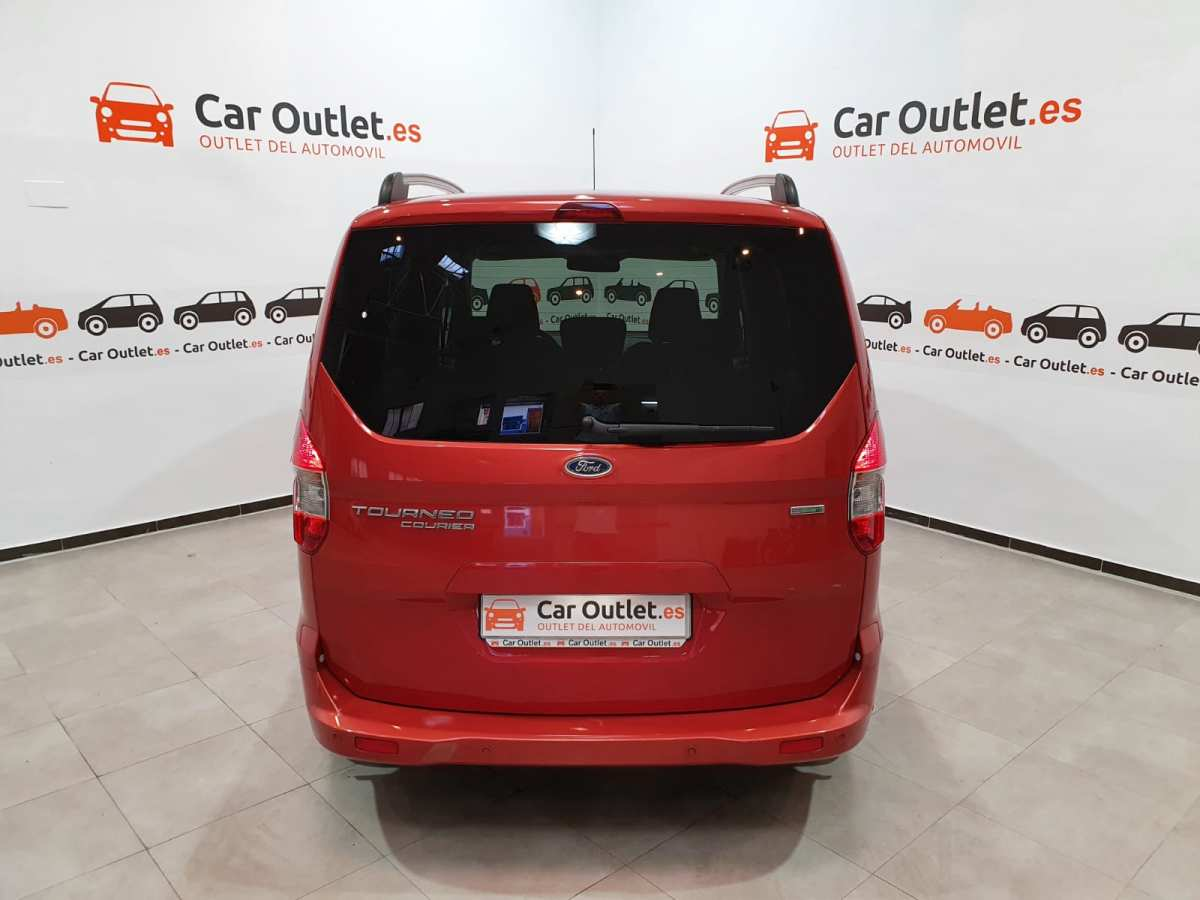 6 - Ford Tourneo Courier 2016