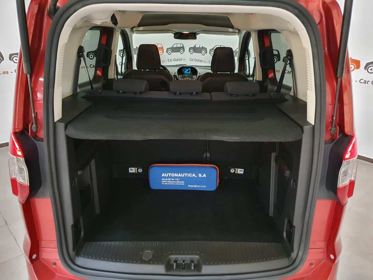 9 - Ford Tourneo Courier 2016