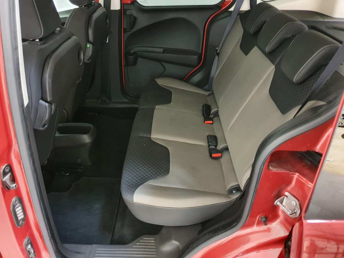 10 - Ford Tourneo Courier 2016