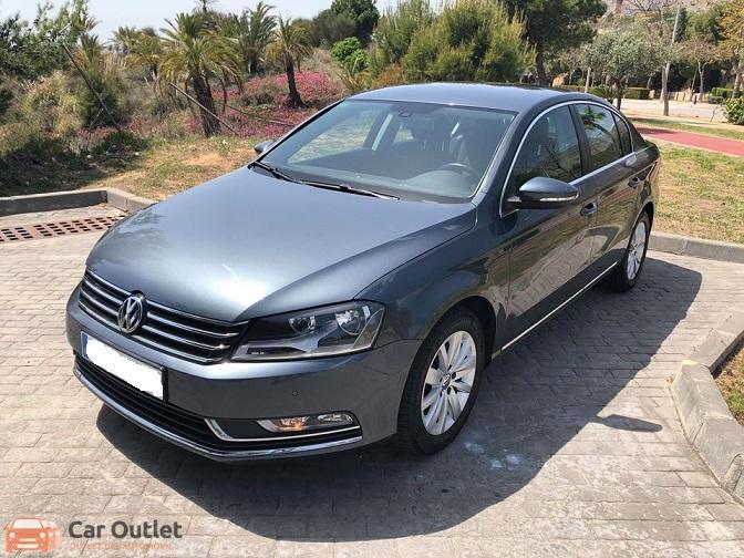 10 - Volkswagen Passat 2011