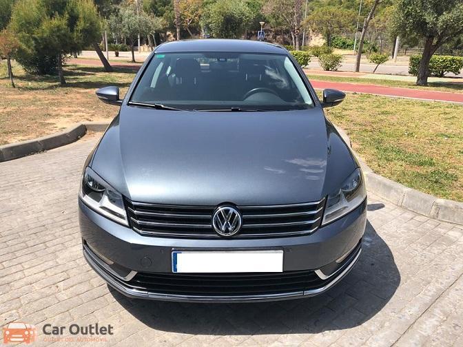 7 - Volkswagen Passat 2011
