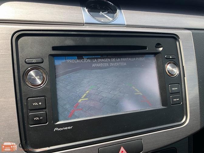 6 - Volkswagen Passat 2011