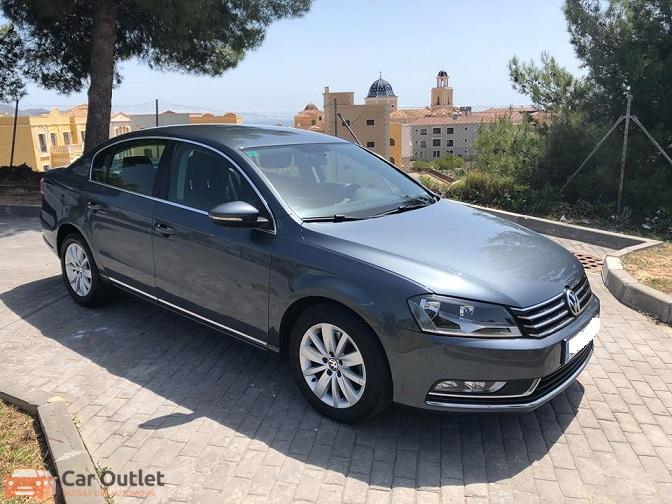 3 - Volkswagen Passat 2011