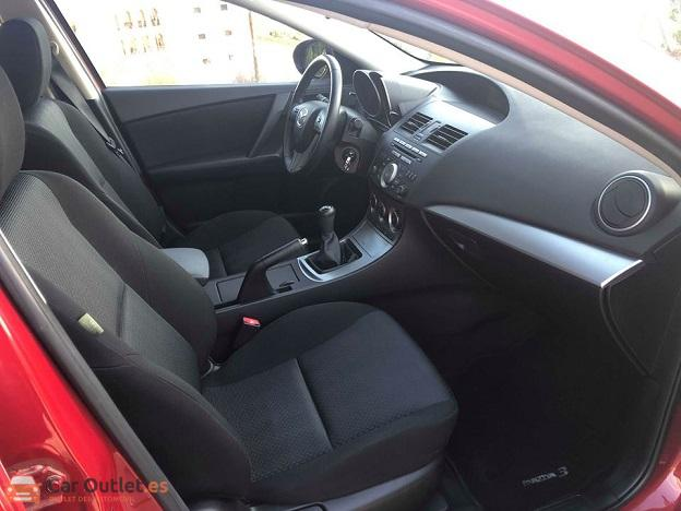 6 - Mazda 3 2010