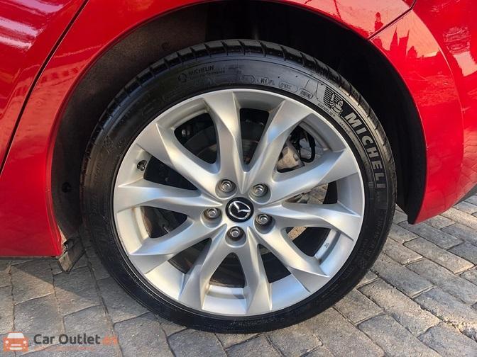 9 - Mazda 3 2013