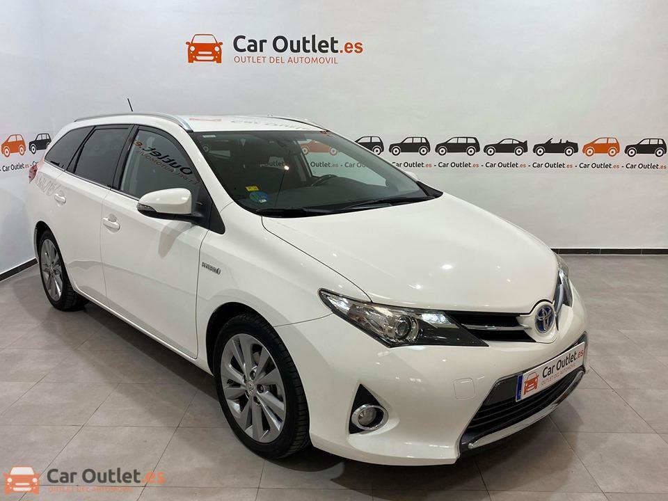 2 - Toyota Auris 2014 - AUTO
