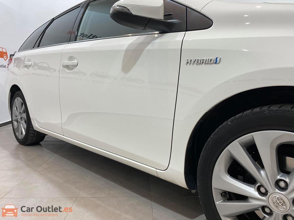 3 - Toyota Auris 2014 - AUTO