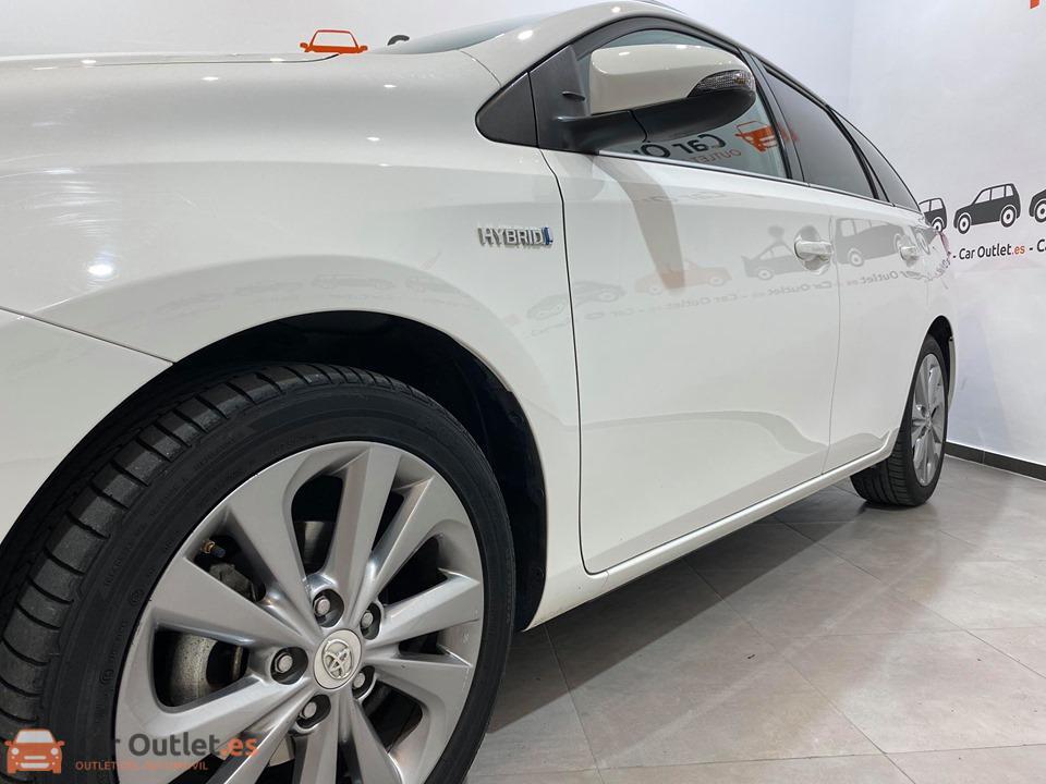 4 - Toyota Auris 2014 - AUTO