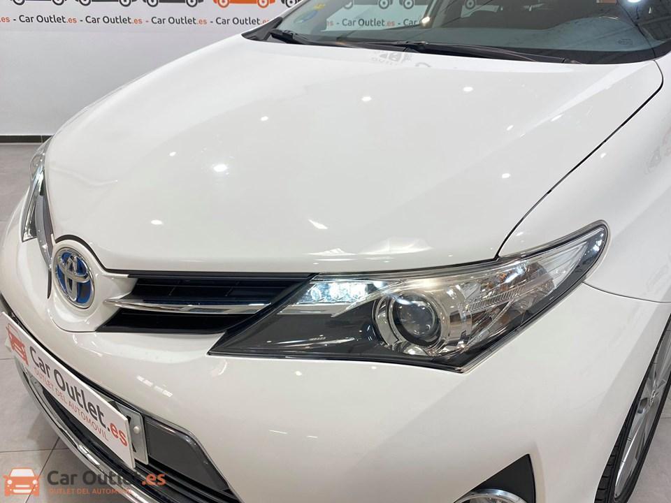 5 - Toyota Auris 2014 - AUTO