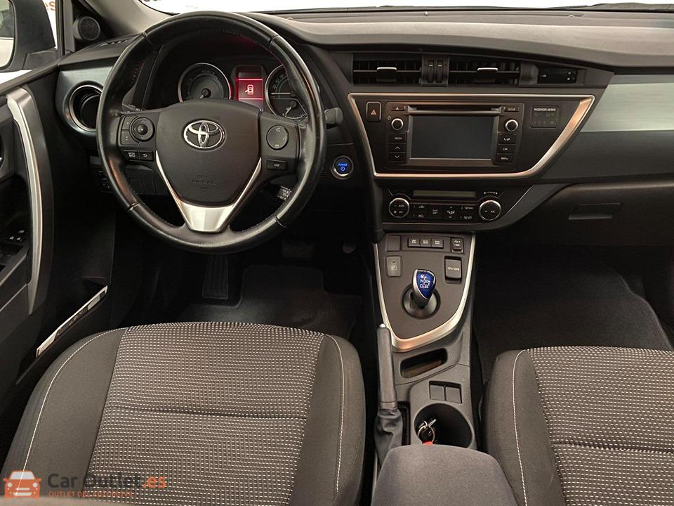 11 - Toyota Auris 2014 - AUTO