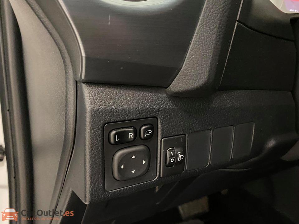 15 - Toyota Auris 2014 - AUTO