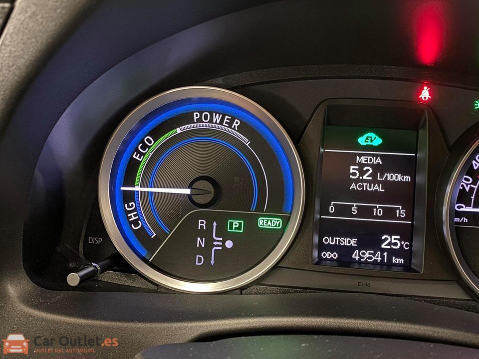 22 - Toyota Auris 2014 - AUTO