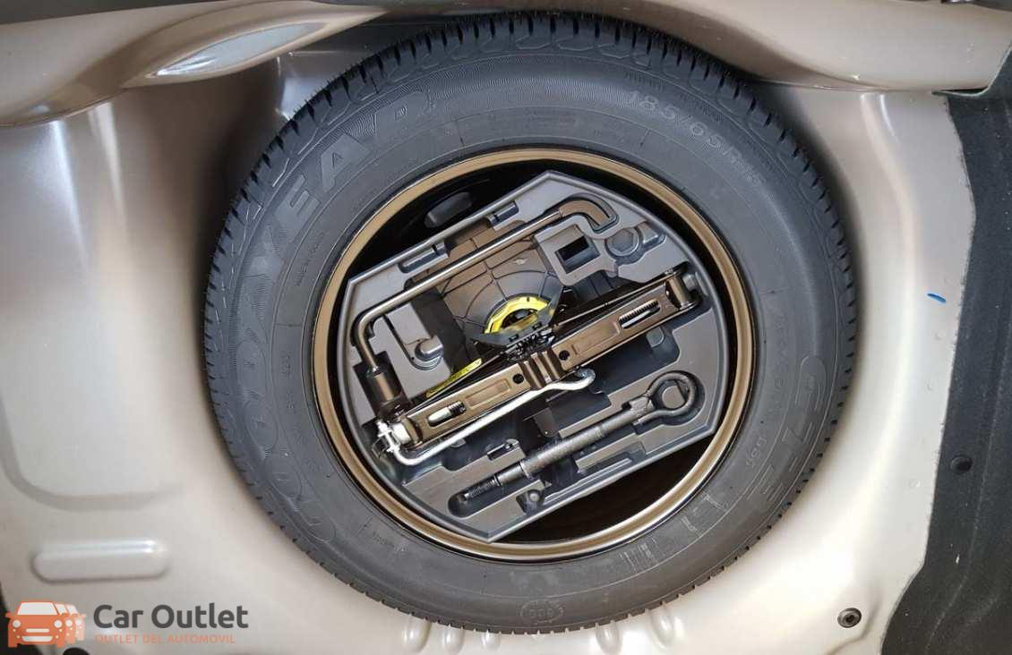 8 - Citroen C4 2014 - AUTO
