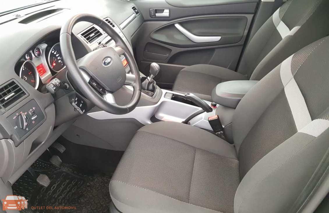 15 - Ford Kuga 2010