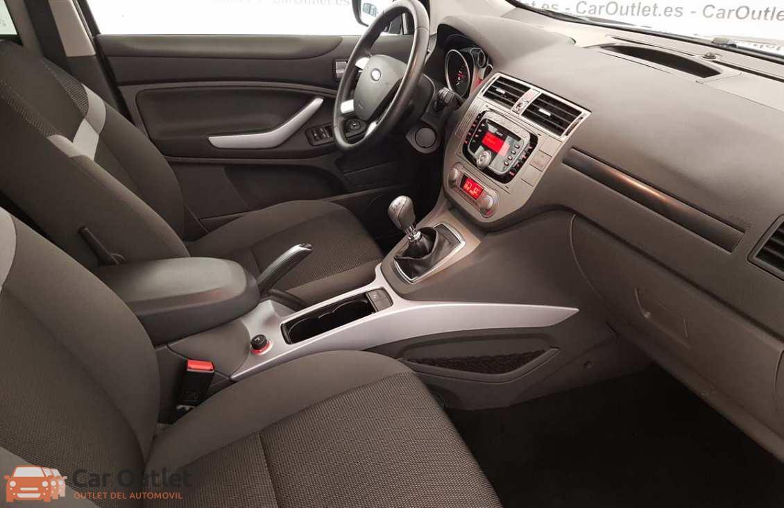 13 - Ford Kuga 2010