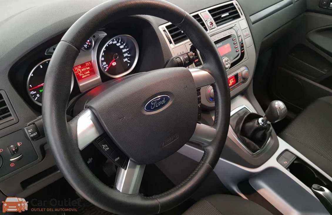 1 - Ford Kuga 2010