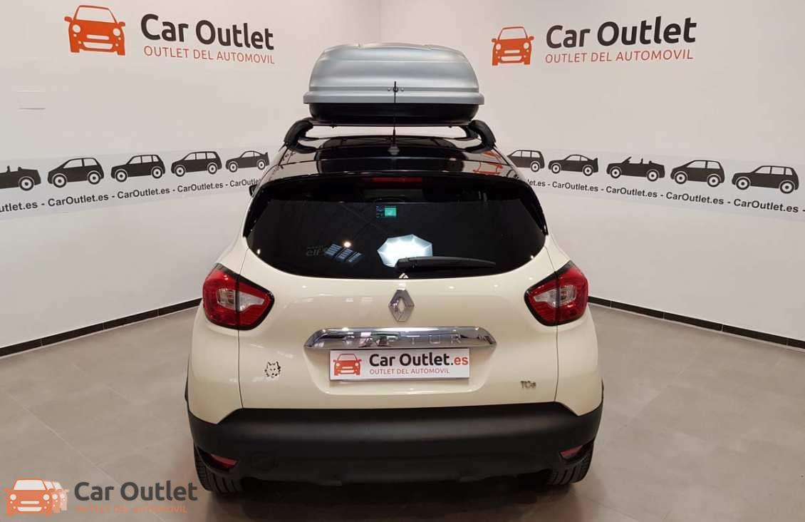 9 - Renault Captur 2015 - AUTO