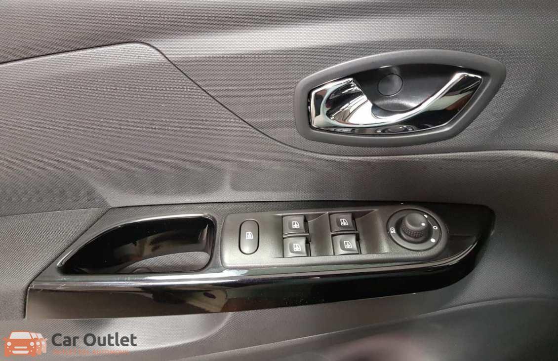 7 - Renault Captur 2015 - AUTO