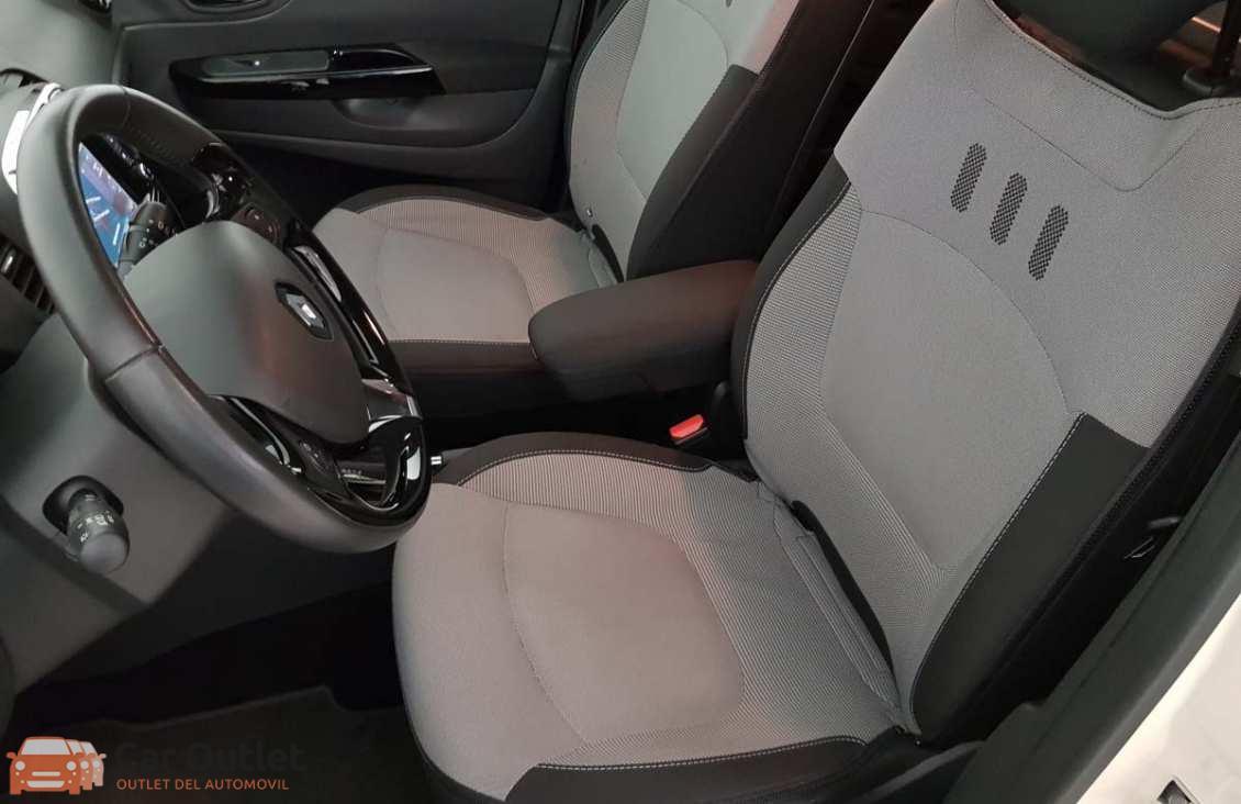 12 - Renault Captur 2015 - AUTO