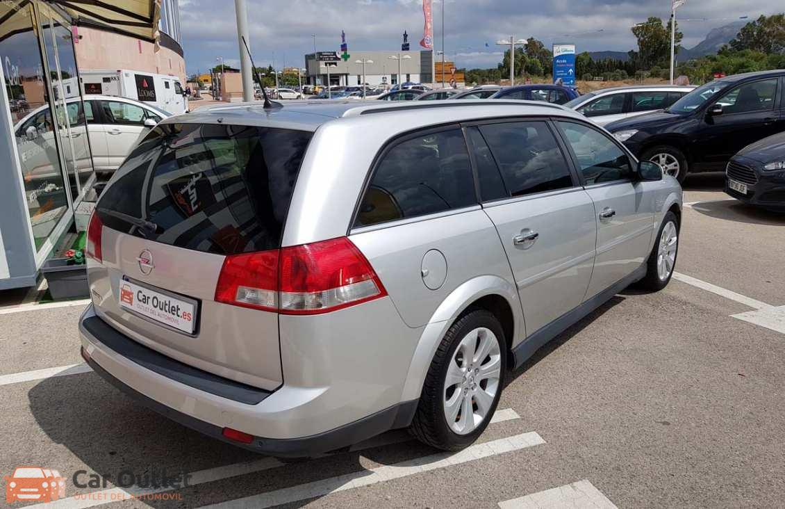 21 - Opel Vectra 2008