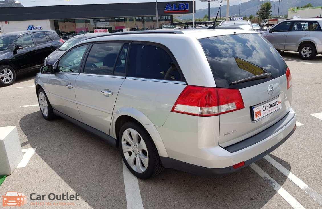 8 - Opel Vectra 2008