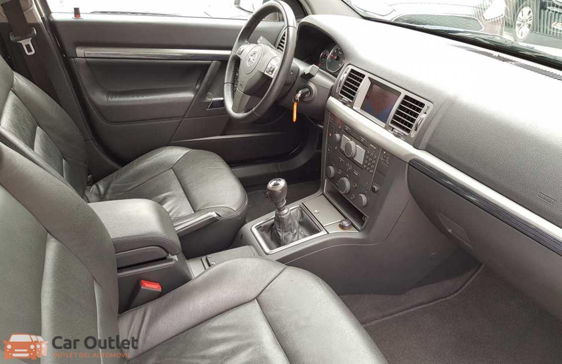 23 - Opel Vectra 2008