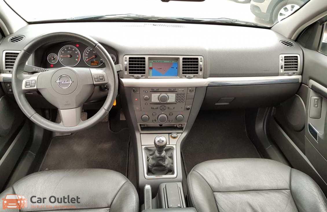 18 - Opel Vectra 2008