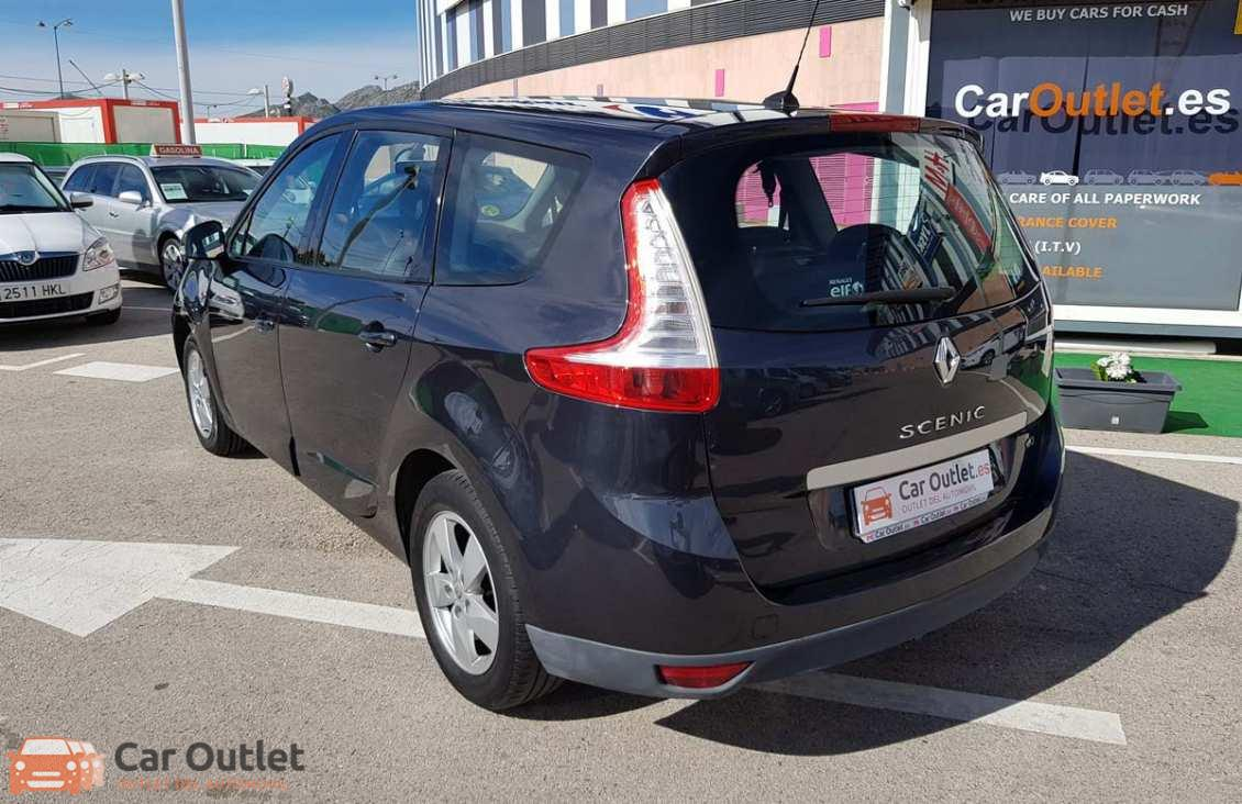 6 - Renault Grand Scenic 2012