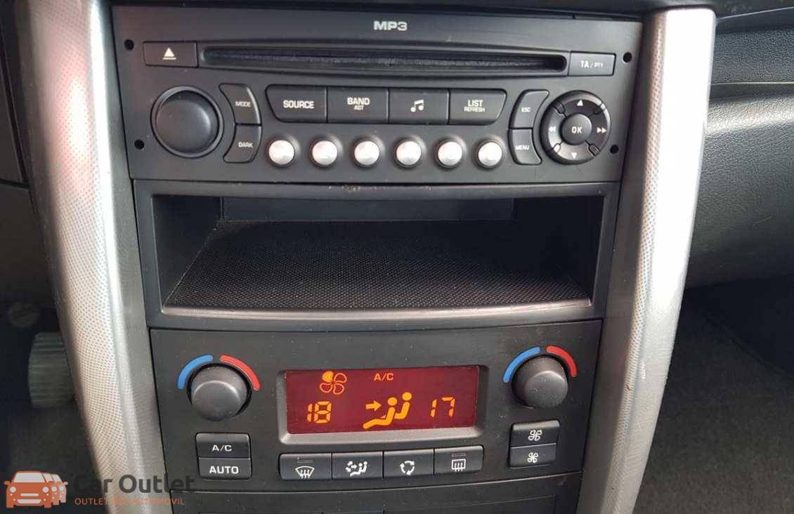 4 - Peugeot 207 2008