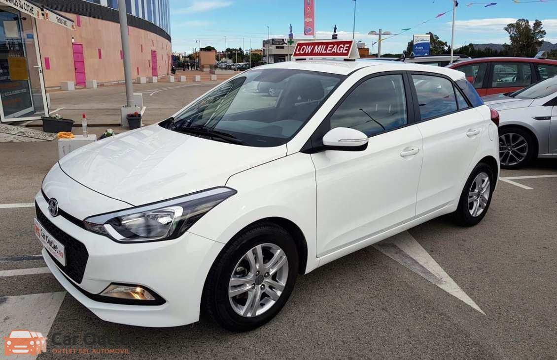 15 - Hyundai i20 2016