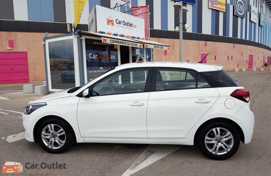 16 - Hyundai i20 2016