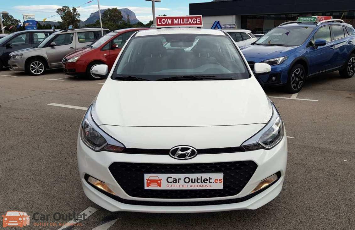 19 - Hyundai i20 2016