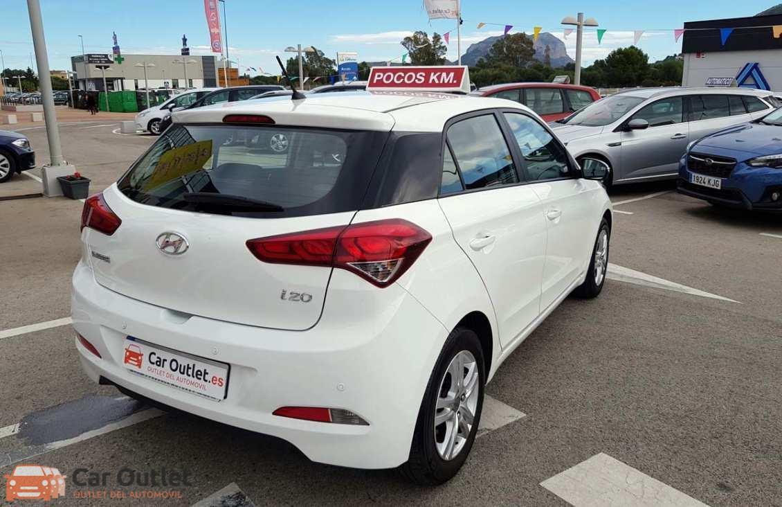 11 - Hyundai i20 2016