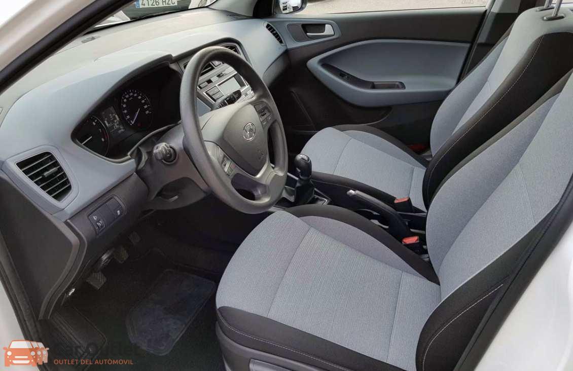 9 - Hyundai i20 2016
