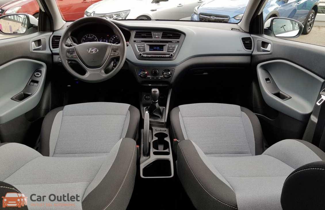 3 - Hyundai i20 2016
