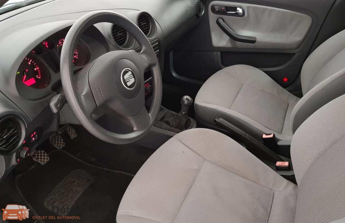 12 - Seat Cordoba 2004