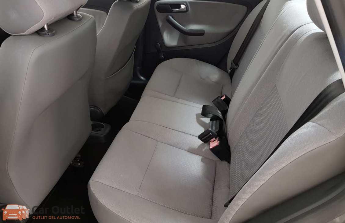 10 - Seat Cordoba 2004