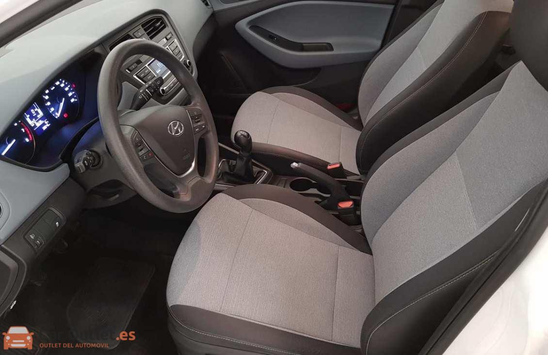 6 - Hyundai i20 2015