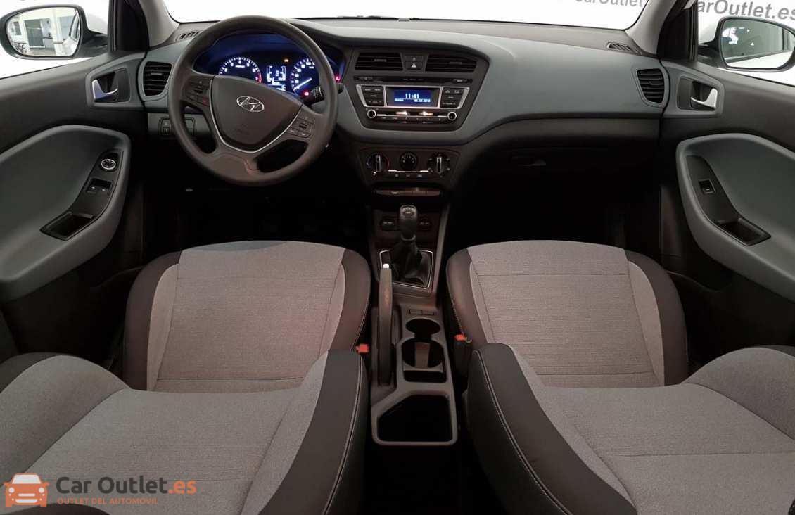 10 - Hyundai i20 2015
