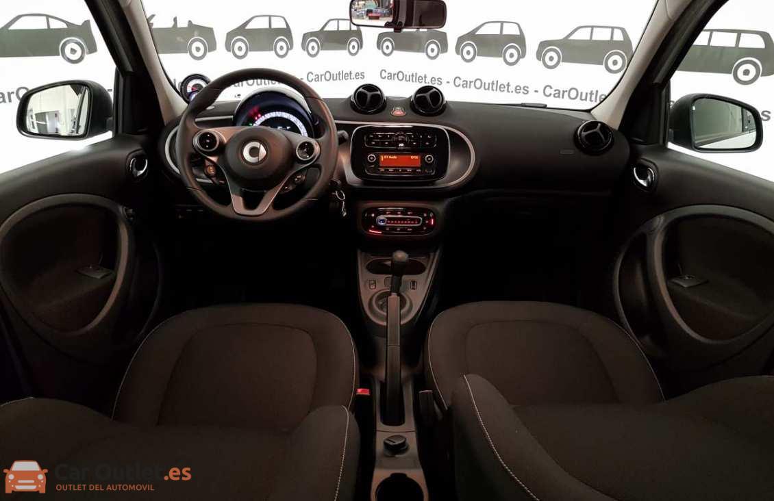 13 - Smart Forfour 2016 - AUTO