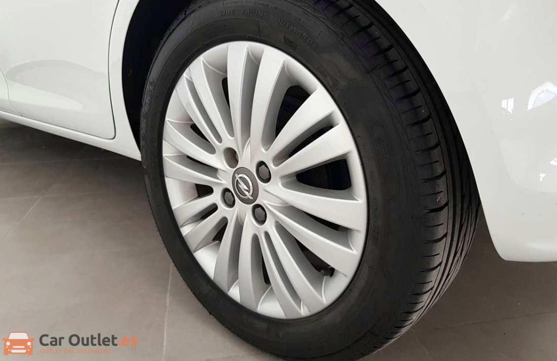 11 - Opel Corsa 2014 - AUTO